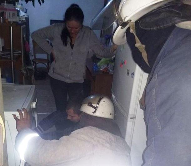 В пральній машині застрягла дитина: довелось викликати рятувальників (ФОТО)