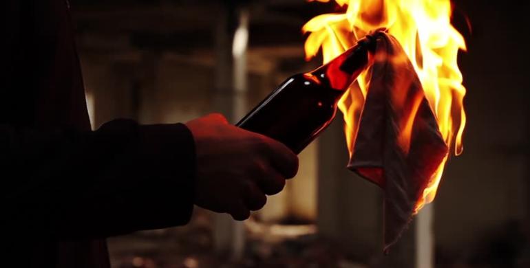 """""""Голівуд відпочиває"""": пенсіонер підпалив будинок, намагаючись вбити колишню кохану (ФОТО)"""