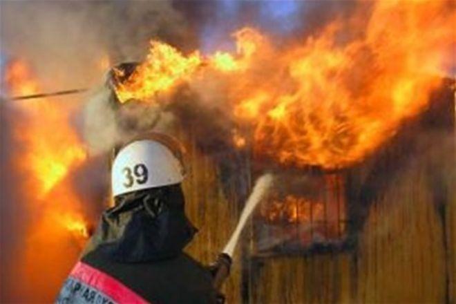 На Закарпатті через коротке замикання загорівся будинок: власниця загинула