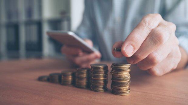 Українців попередили про підвищення податків: скільки платитимемо у 2020 році