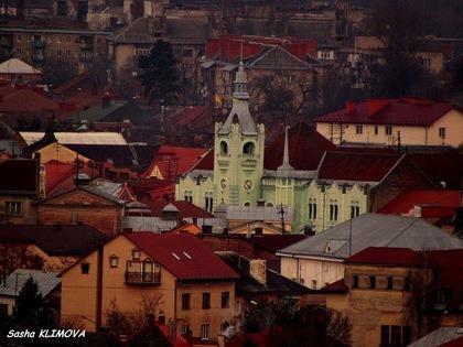 Передноворічна сесія у Мукачеві: землі та торги, передача майна, бюджет і зміни