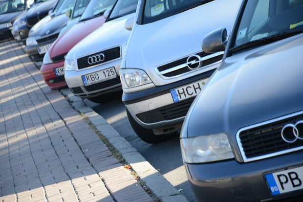 У євроблях з'явилися потужні конкуренти: які авто дешевшають на очах