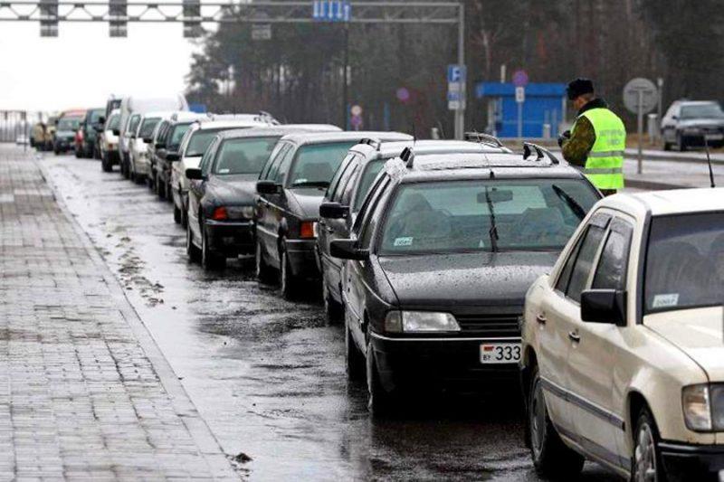 Понад півсотні авто застрягли в чергах на виїзд з країни на Закарпатті