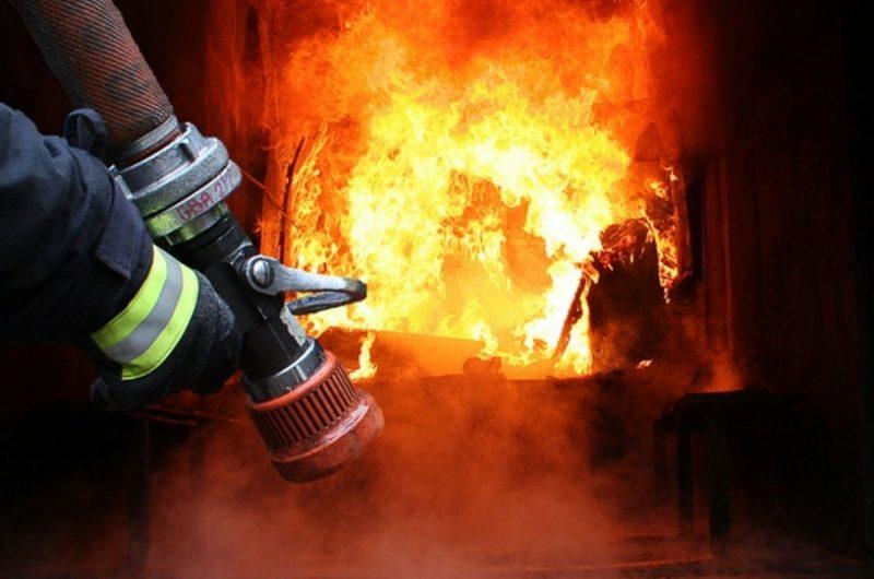 Пожежа на Тячівщині: вогонь вирував у житловому будинку