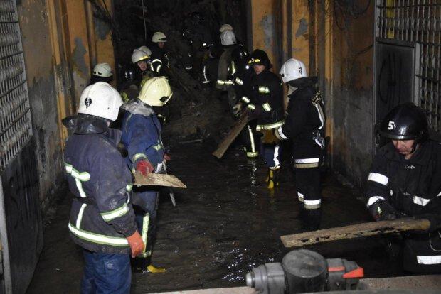 В Одеському коледжі з-під завалів витягнули останні тіла: 16 нещасних згоріли живцем (ФОТО)