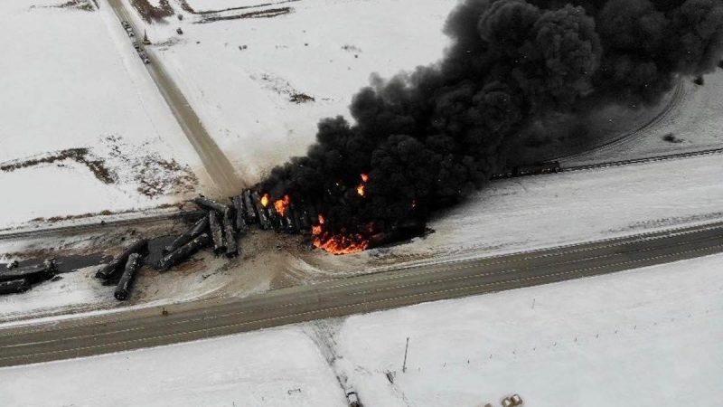 Масштабна аварія в Канаді: вибухнув поїзд із нафтою (ВІДЕО)