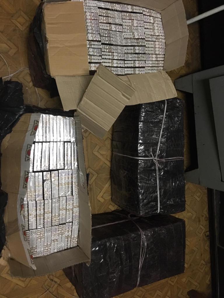 Масштабна контрабанда в потязі на кордоні з Закарпаттям (ФОТО)