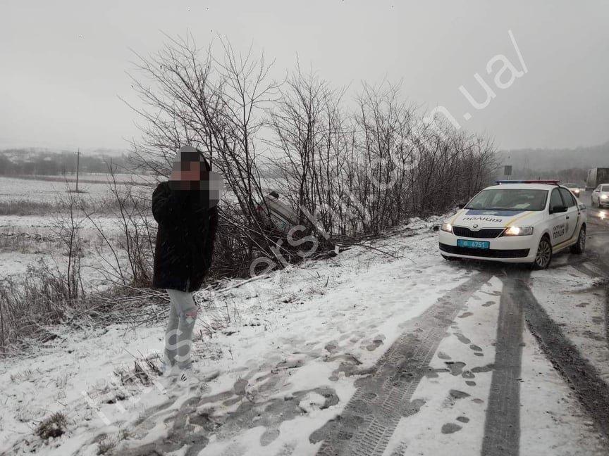Між Ужгородом та Мукачевом трапилася аварія