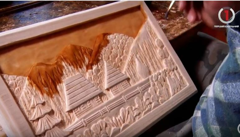 Липові шедеври: закарпатець відроджує давнє різьбярське ремесло