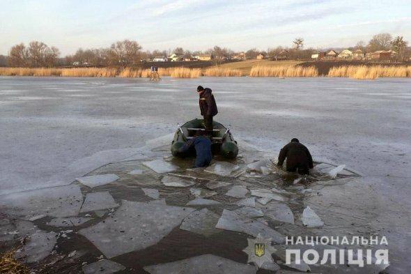 Зникла з власного подвір'я: тіло 5-річної дівчинки знайшли на дні озера