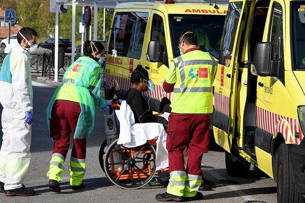 Чорний день для Іспанії: за добу від коронавірусу загинули понад 800 осіб
