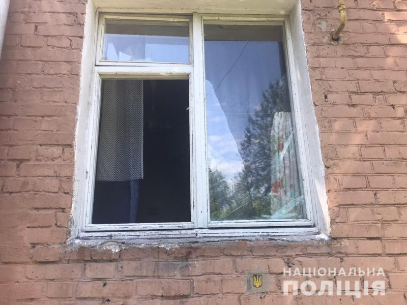 Заважав дивитися фільм: вітчим викинув дитину з вікна