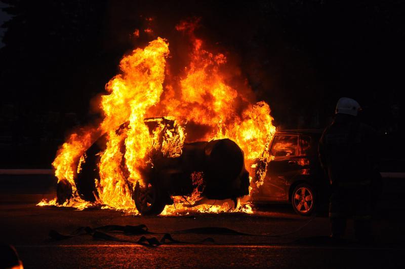 Пожежа в Берегові: авто марки Audi згоріло вщент