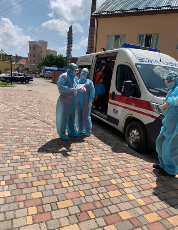 «Лікарні заповнені», - Юрій Яцина звернувся до закарпатців