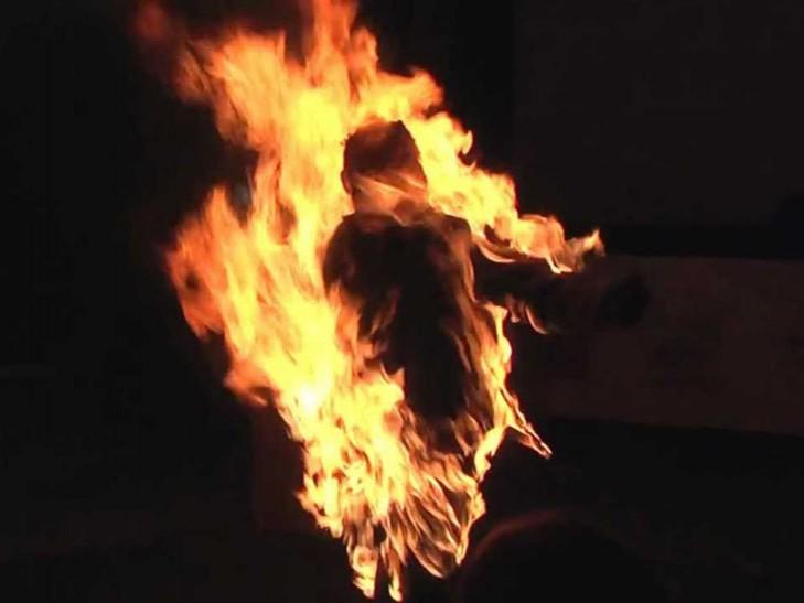 Самоспалювання: на Виноградівщині чоловік хотів покінчити життя самогубством