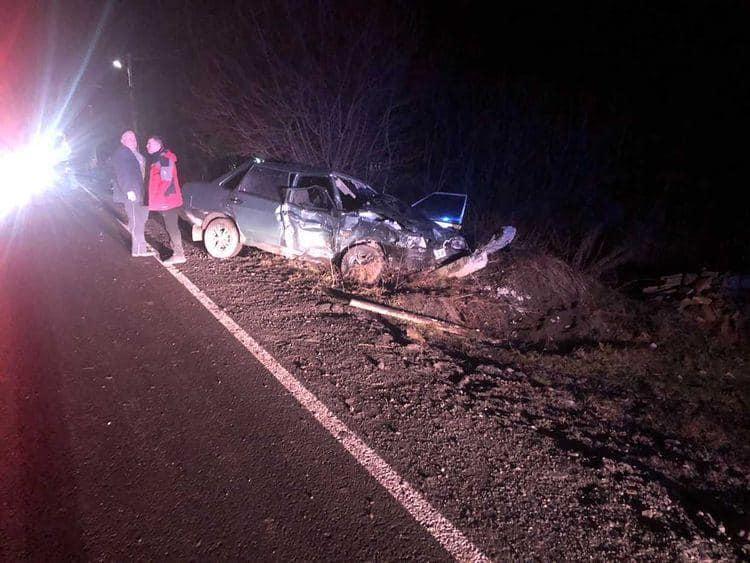 Смертельна аварія на Воловеччині: автобус з людьми зіткнувся з легковиком