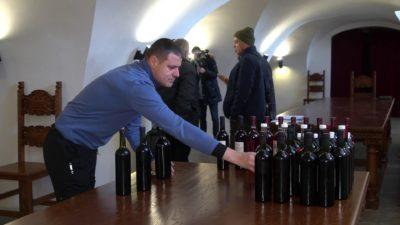 """В Мукачеві розпочався конкурс """"Червене вино 2021"""" (ФОТО, ВІДЕО)"""