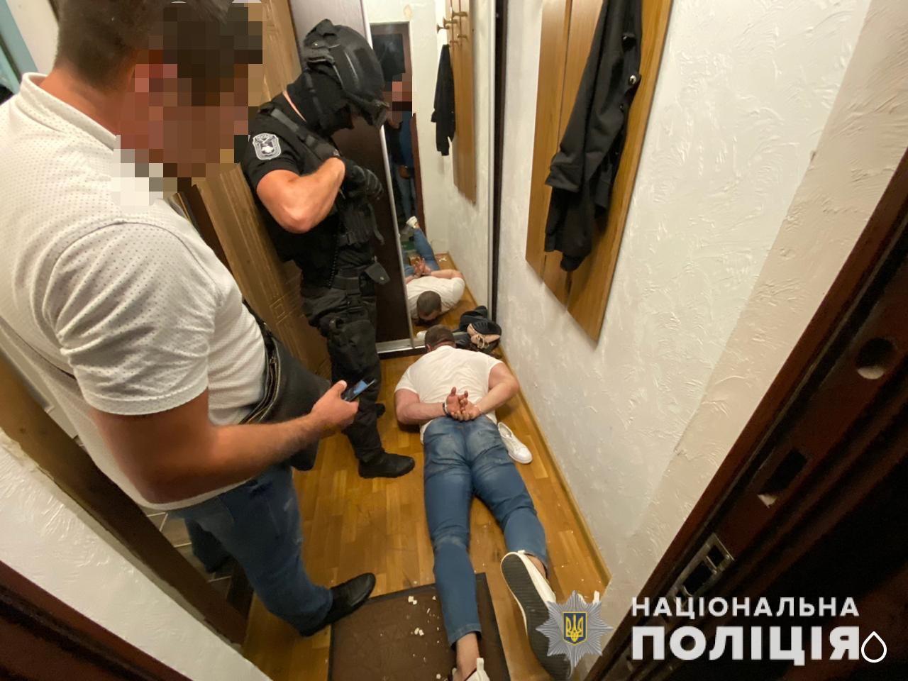 На Закарпатті група злочинців шантажувала чоловіків розповсюдженням їх інтимних відео (ФОТО, ВІДЕО)