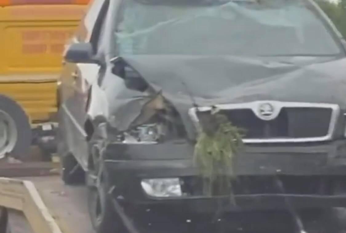 ДТП в Іршаві: автівка опинилася в кюветі (ФОТО, ВІДЕО)